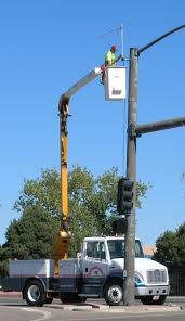 کاربرد بالابر در تعمیرات برق